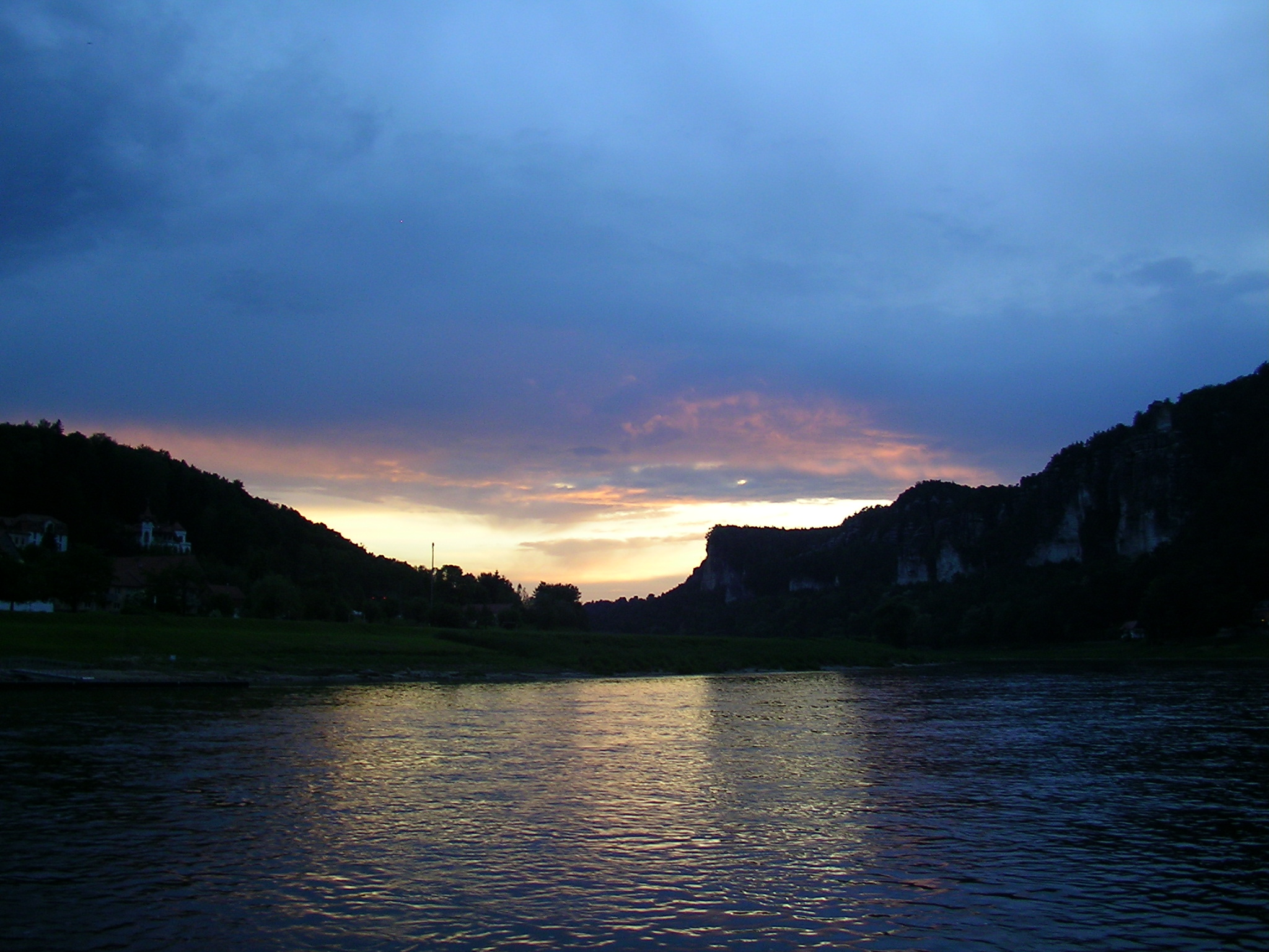 sunset, river elbe, saxon switzerland, elbes sandstone mountains, saxony, eastern germany, offbeat germany, dresden, stadt wehlen